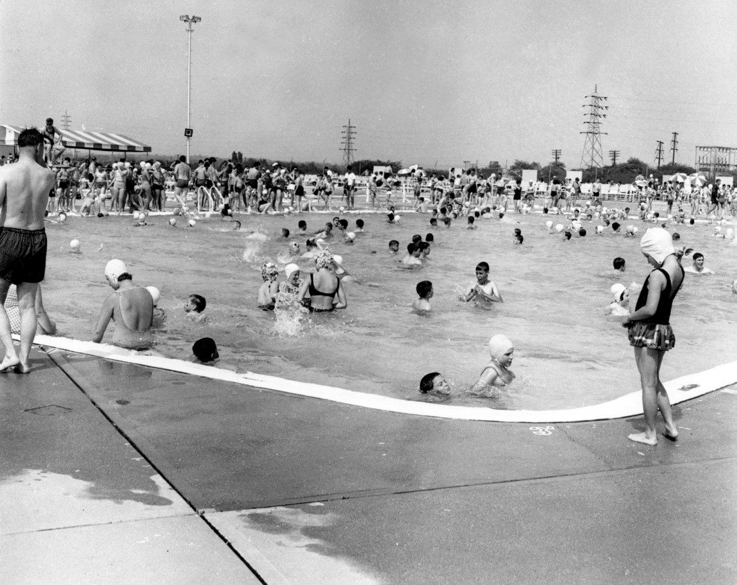 History of the mineola pool mineola american for Levittown pools swimming lessons